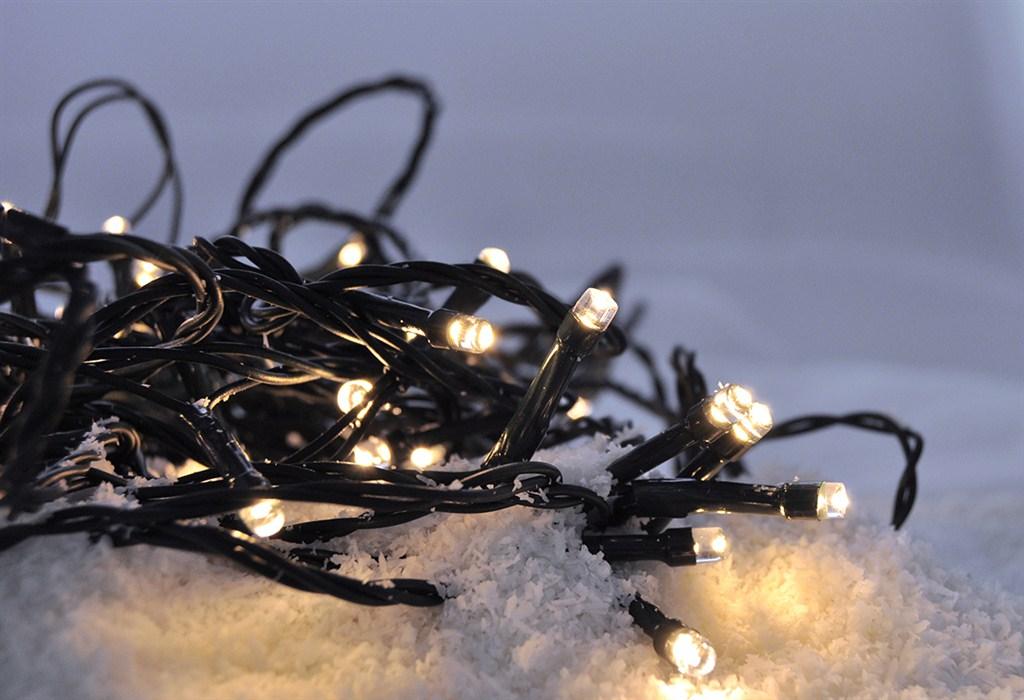 LED vánoční řetěz 50 LED, 5m, přívod 3m, 8 funkcí, IP44, bateriový, teplá bílá, SOLIGHT