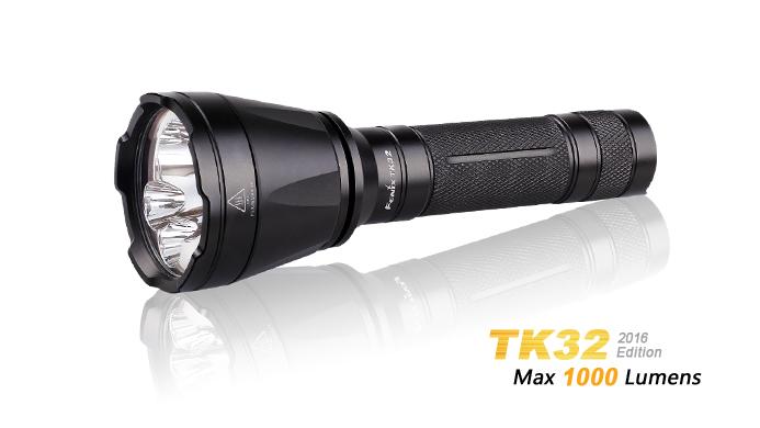 Taktická LED svítilna Fenix TK32 XP-L